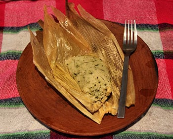 English: A Chipilín tamale in Oaxaca, Mexico. ...