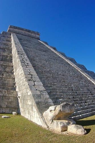 mayan pyramid photo